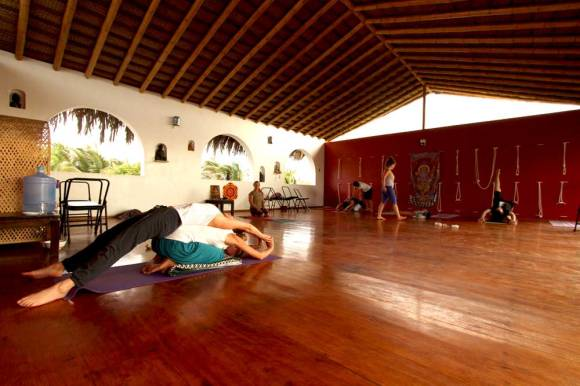yoga peru mancora